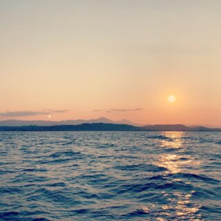 La bella addormentata vista dal mare... Molto al largo 😜